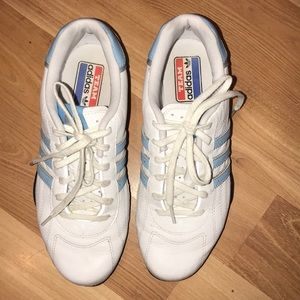 Adidas Goodyear white /blue leather size 7.5